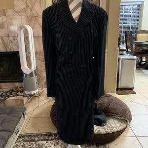 Black w white pin stripes dbl breast 3piece suit